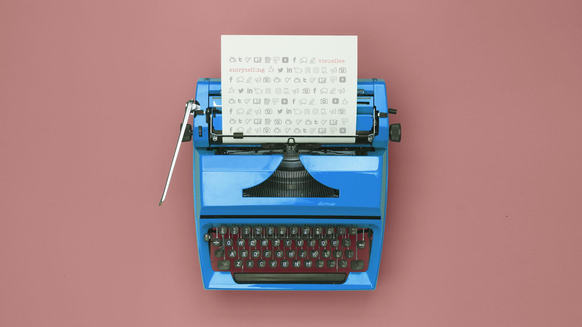 blaue Schreibmaschine
